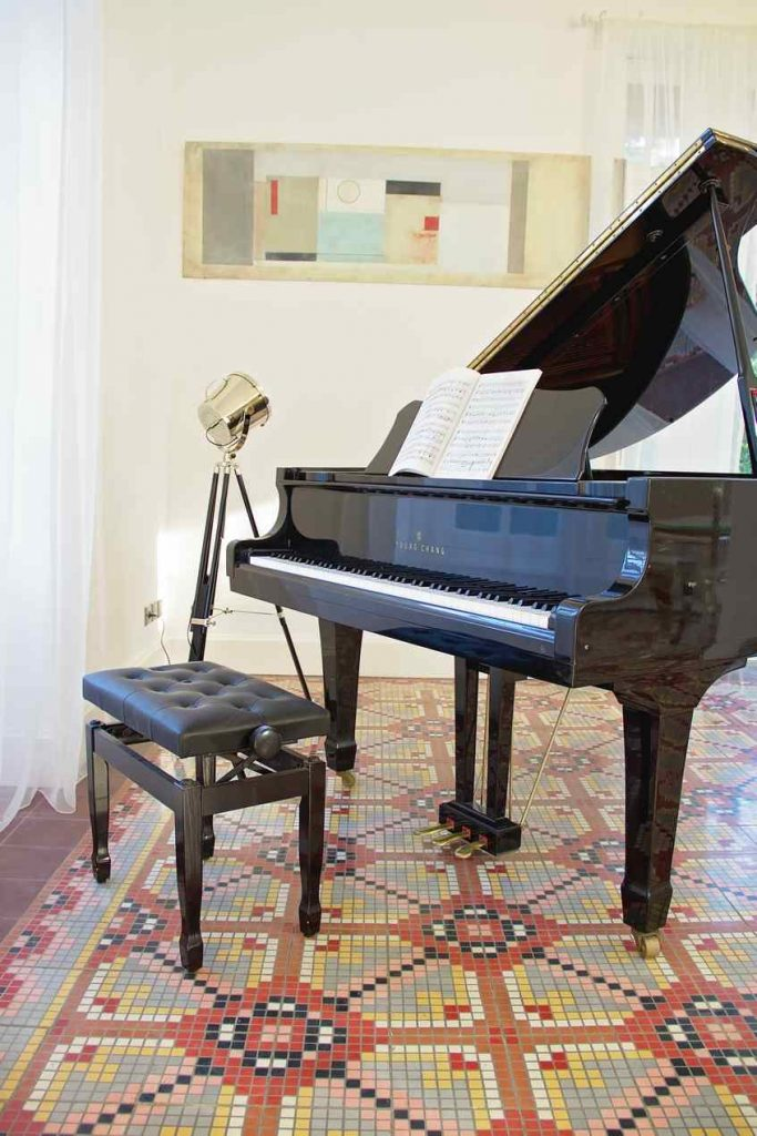 Grand piano tp play during you holiday at Domiane Saint Hilaire