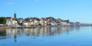 Bouigues famous for oysters and seafood near Domaine Saint Hilaire